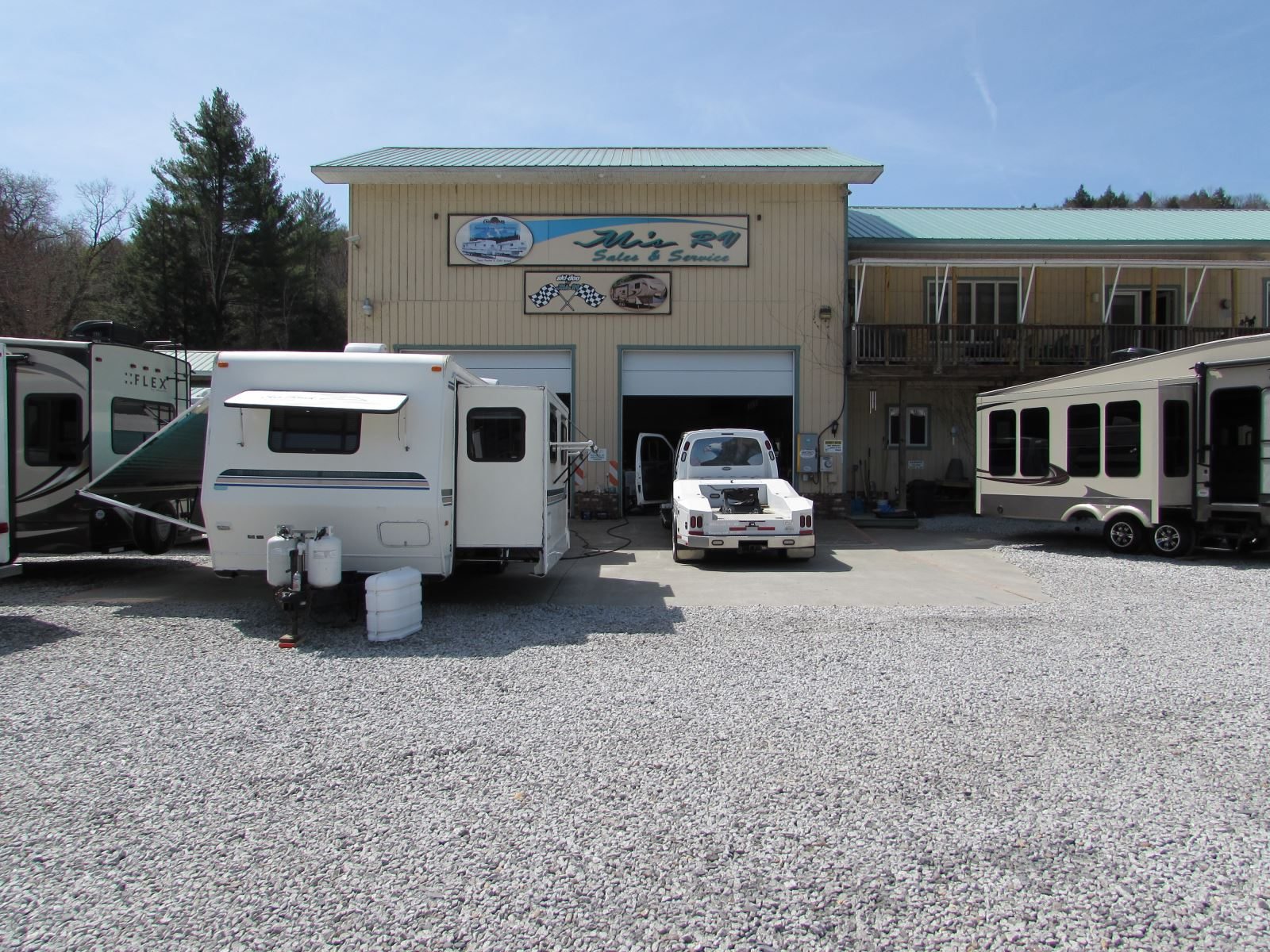 M's RV Service Store Front